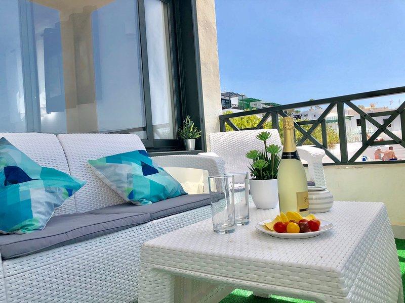 APPARTEMENT CHAO PORTONOVO Location de vacances Puerto del Carmen Lanzarote, vacation rental in Puerto Del Carmen
