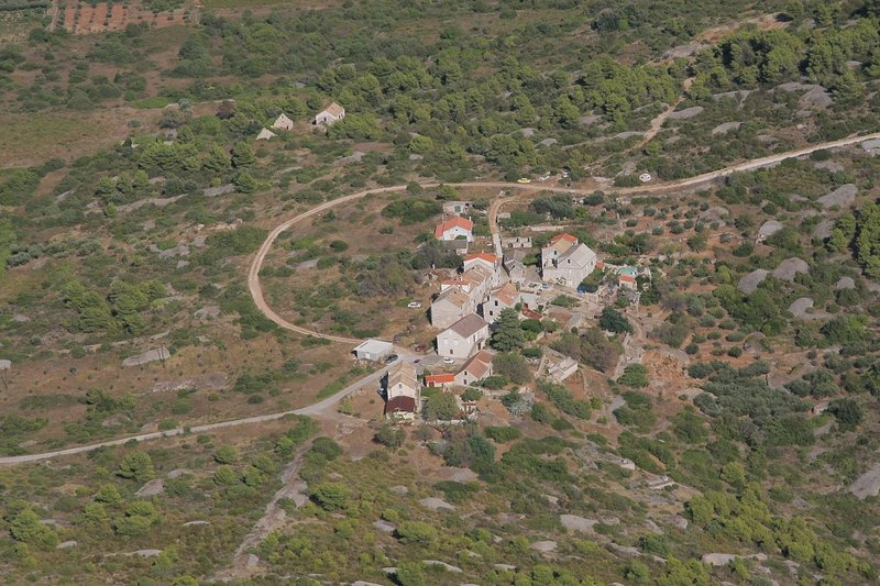 Island Vis, house Duboka, holiday rental in Podhumlje