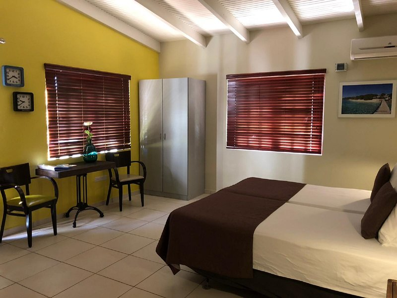 Hemels Curacao appartement Playa Kalki in de wijk Cas Grandi, holiday rental in East End