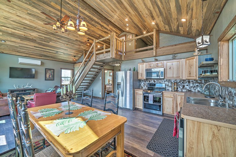 With 2 bedrooms, a loft and 2 full baths, this custom home comfortably hosts 8.