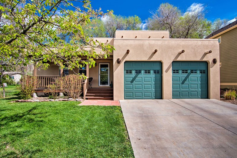 Longmont Home w/Yard+Patio - 15 Mi to Boulder, holiday rental in Longmont