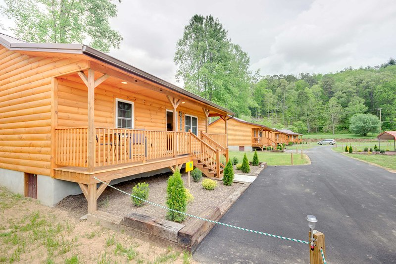 This newly built cabin promises to keep you coming back!