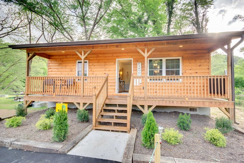 This idyllic 1-bedroom, 1-bathroom vacation rental can host 2 guests!