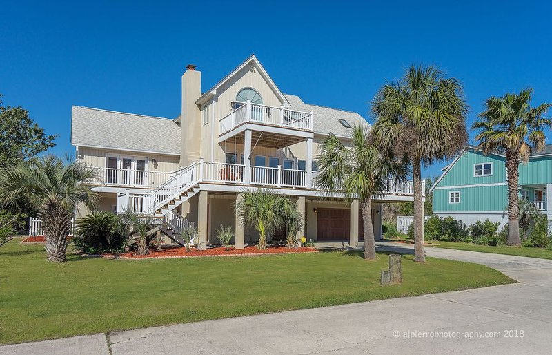Perfect Beach House for Your Family Vacation!, alquiler de vacaciones en Isla de Tybee