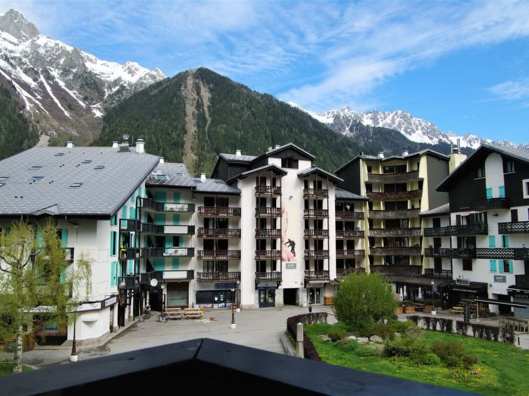 Photo of 1 bedroom Apartment with WiFi and Walk to Shops - 5033539