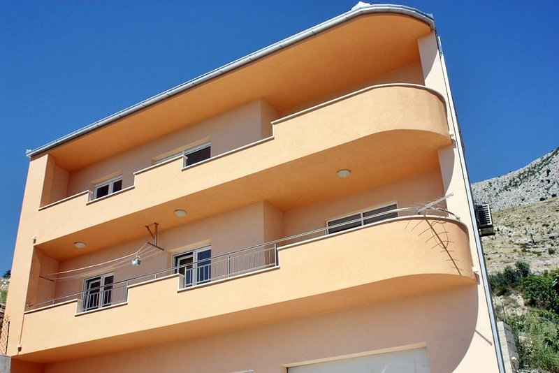One bedroom apartment Dugi Rat, Omiš (A-17287-c), holiday rental in Tugare