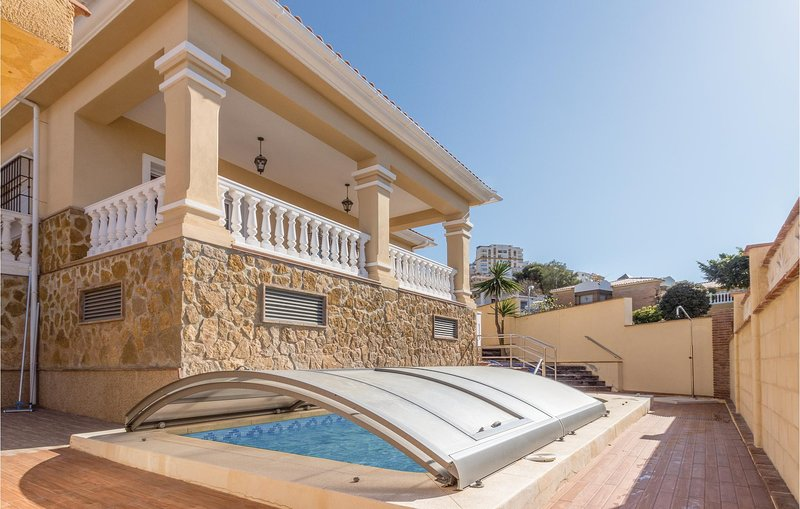Stunning home in Torre de Benagalbón with Outdoor swimming pool, Outdoor swimmi, holiday rental in Rincon de la Victoria