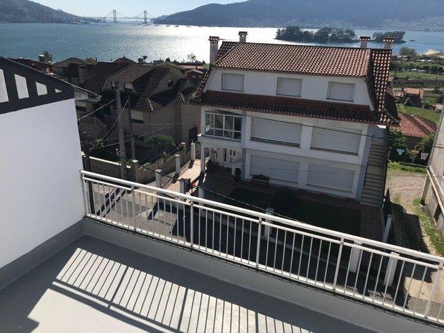 Beautiful house with sea view, aluguéis de temporada em Soutomaior