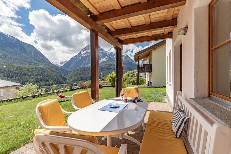 Ferienwohnung Chasa Val 735, casa vacanza a Guarda