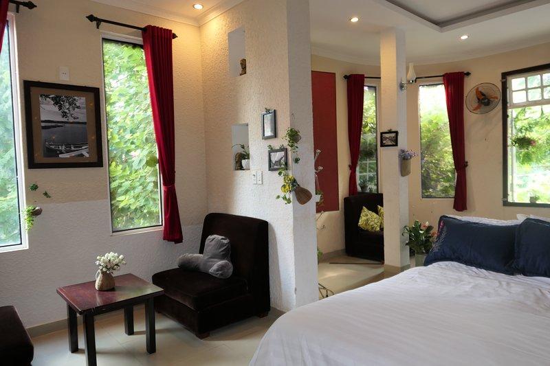 Friendly Homestay -redhot-share -bathroom, casa vacanza a An Hai Tay