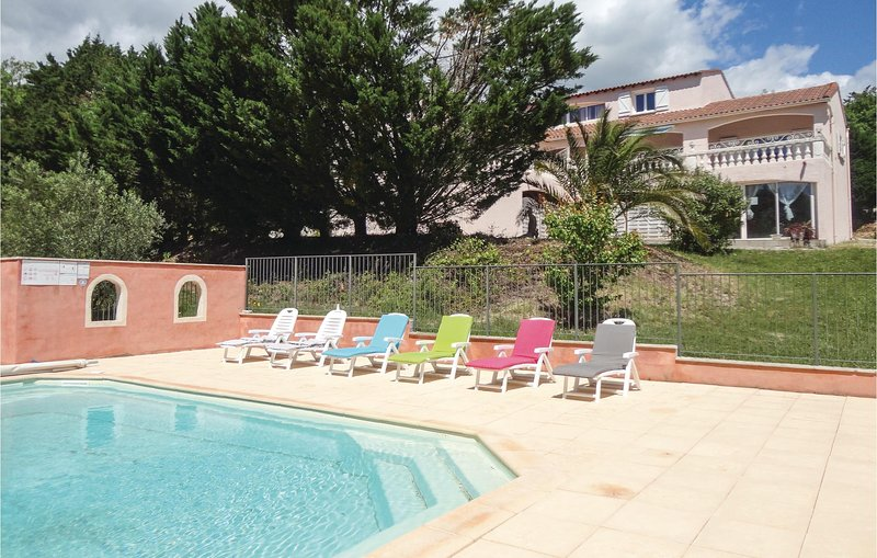 Awesome home in Le Bosc with Outdoor swimming pool, Outdoor swimming pool and 3, vacation rental in Le Bosc