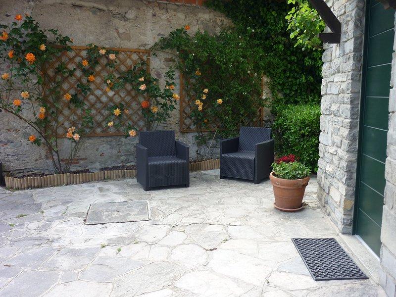 APPARTAMENTO LE ROSE, vacation rental in Menaggio