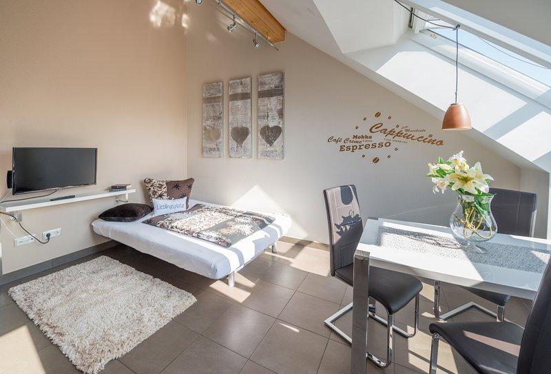 'Suite Cappuccino' wie im 4*-Sterne-Hotel - Ferienwohnungen Horster in Bensheim, holiday rental in Worms