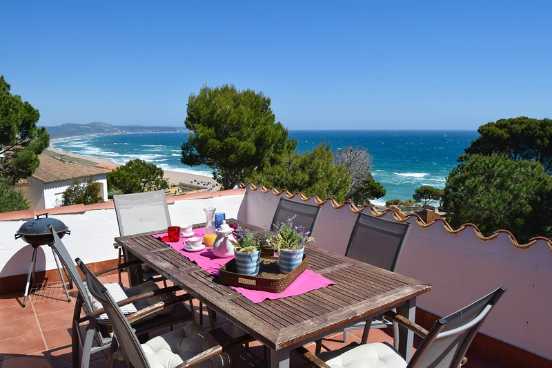 Beautiful sea views  with  pool. COSTA BRAVA, holiday rental in Begur