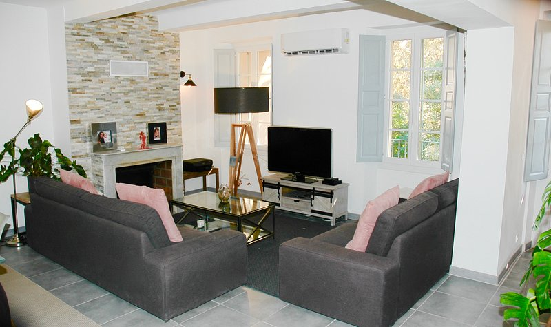 Amazing apt with shared pool & Wifi, vacation rental in Cogolin
