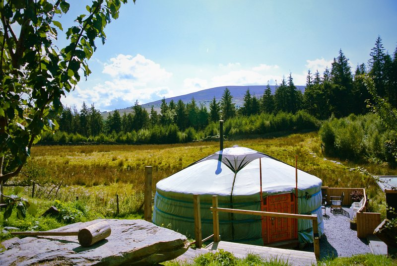 Greener Glamping - Luxurious yurts in stunning mountain forest location, vacation rental in Llandrillo