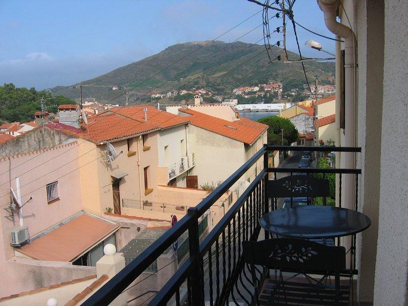 Beautiful apartment with sea view, alquiler de vacaciones en Port-Vendres