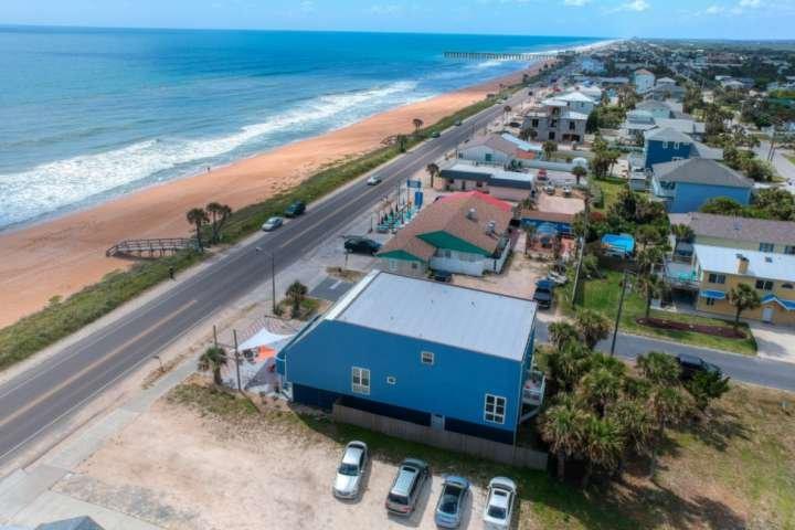 Photo aérienne de Bombora sur la pittoresque A1A - Accès facile aux plages de Flagler Beach