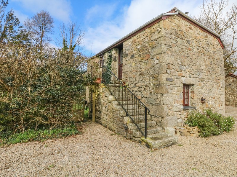 THE MOWHAY, converted, pet friendly, traditional stone barn with use of indoor, Ferienwohnung in Connor Downs