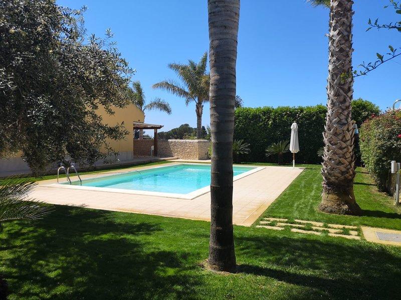 Big villa with swimming-pool & Wifi, holiday rental in Playa Grande