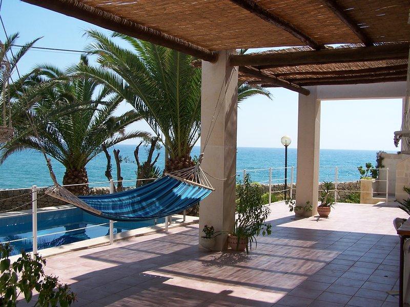 Big villa with swimming-pool & Wifi, vacation rental in Scoglitti