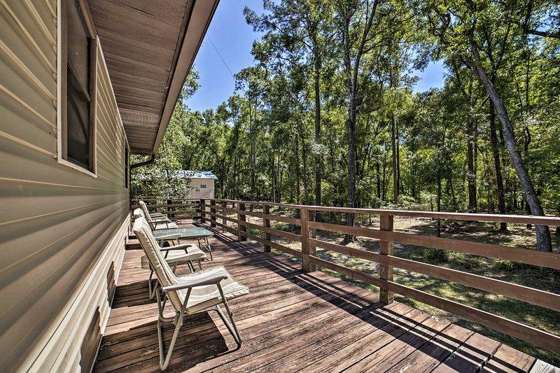 Fino a 4 ospiti possono soggiornare in questo rifugio forestale.