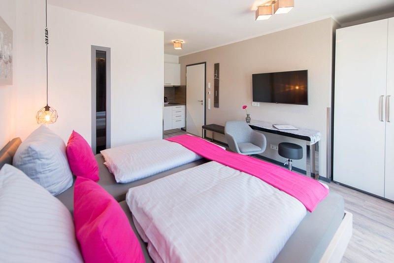 Komfort-Doppelzimmer 'Ambiente 1' - Apartmenthaus Horster in Bensheim, vacation rental in Gernsheim
