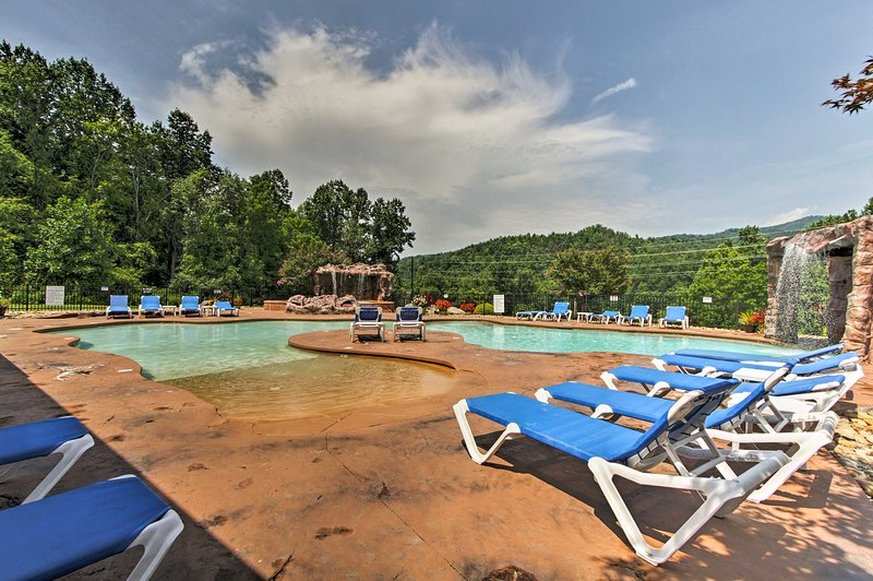 This vacation rental is located in the White Oak Resort!