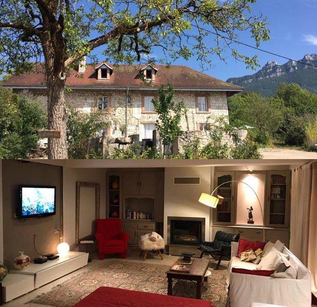 Ancienne ferme savoyarde en pierre du 19 ème siècle récemment rénovée en gîte de, vacation rental in Saint-Bois