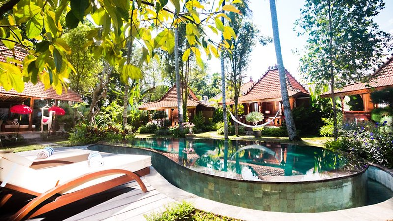 Beautiful 1500m2 3 bedrooms private villa with private pool and garden