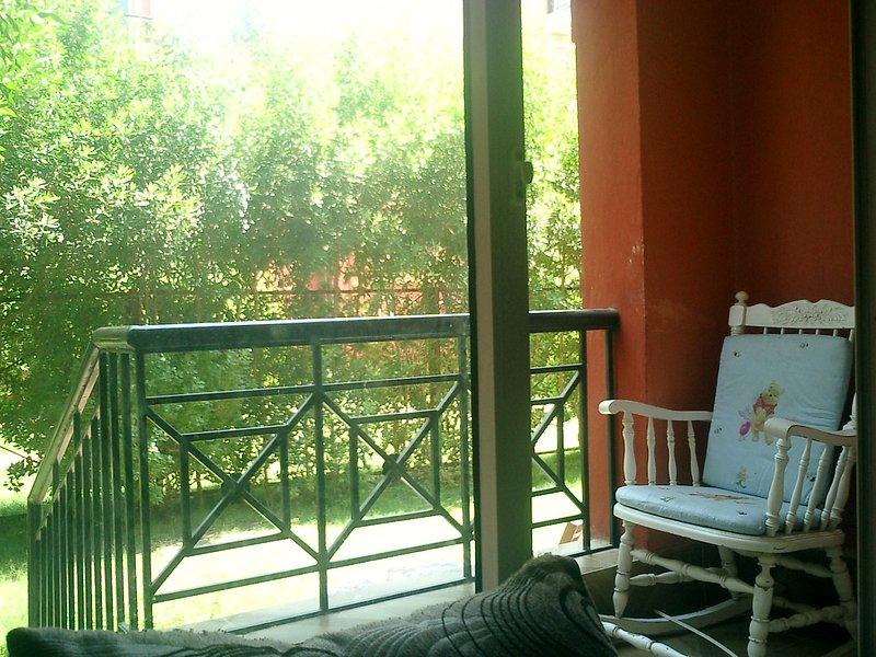 Voll-möblierte Wohnung mit Privatgarten zu vermieten in Sheikh Zayed City, holiday rental in Sheikh Zayed City