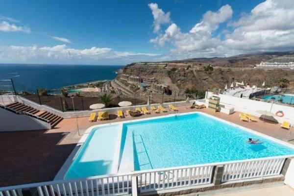 *MOGAN AMADORES: AMAZING OCEAN VIEW - WI-FI, holiday rental in Amadores