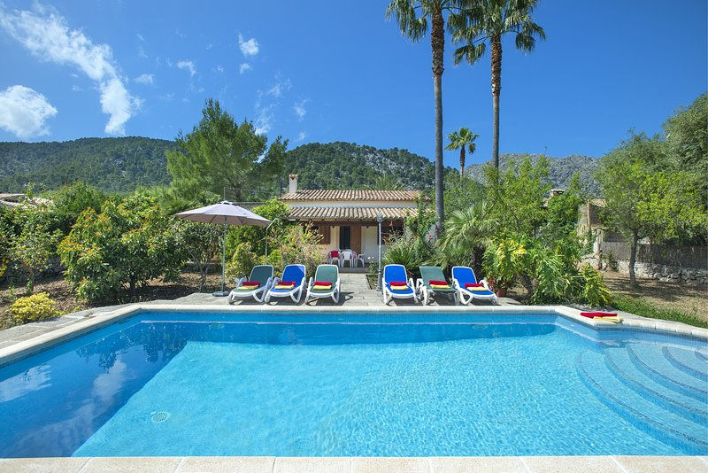 Photo of Enjoy in Villa Salas a short distance from the Old Town