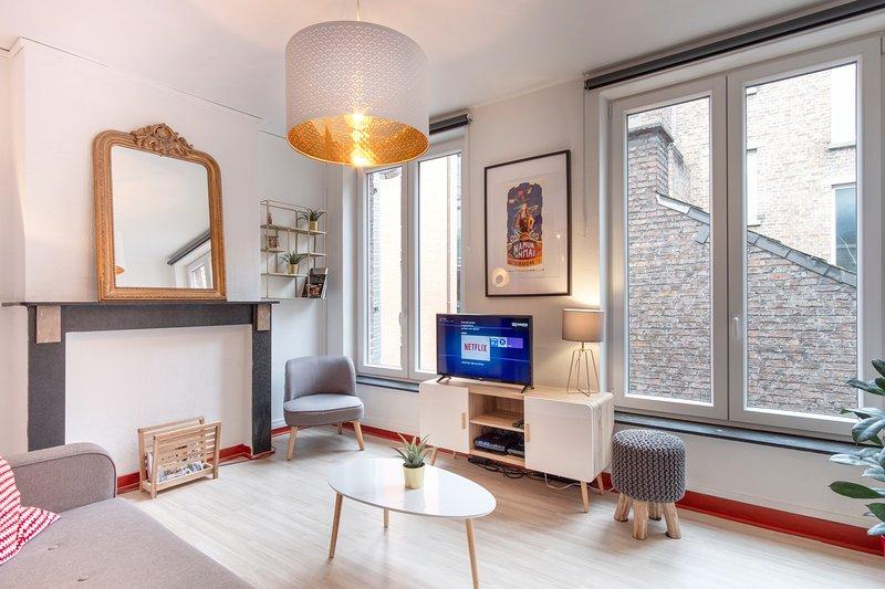 Le Cerisier - Duplex meublé au centre de Namur, holiday rental in Saint-Denis-Bovesse
