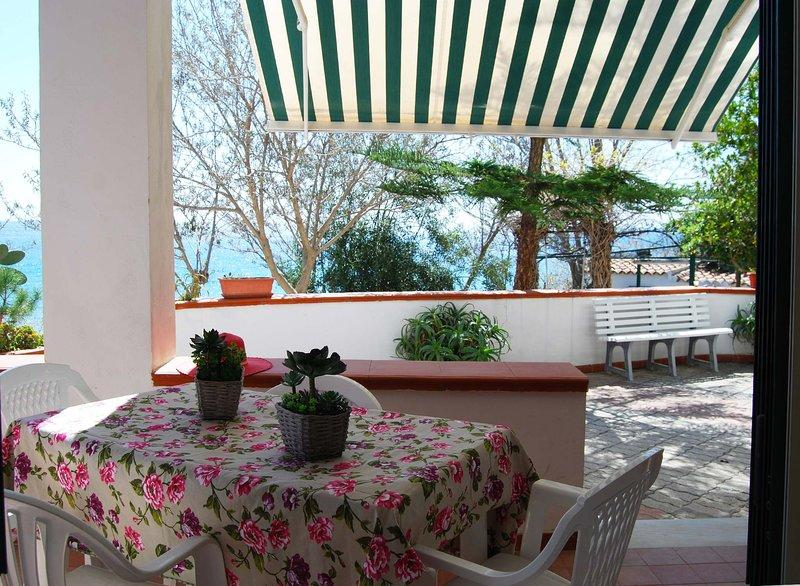 Japigium - Villa Rubino vista mare, alquiler de vacaciones en Isola di Capo Rizzuto