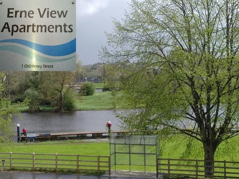 Erne View Apartments 1C – Lakeside Apartment Enniskillen, Ireland, holiday rental in Kesh