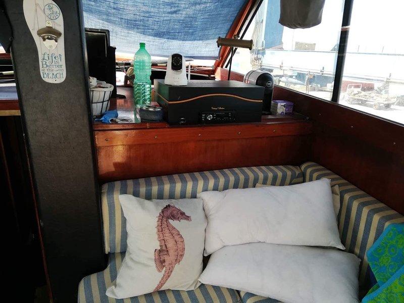 Barca 'Frau', casa vacanza a Pantelleria