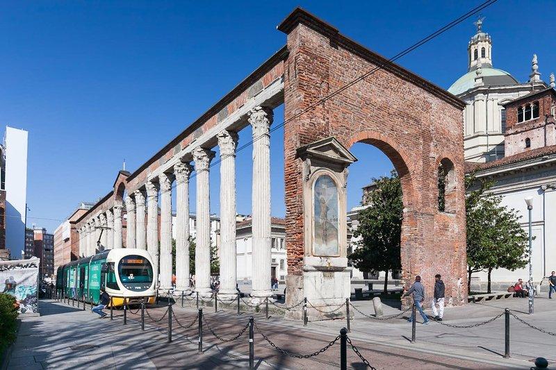 Oppure fai una passeggiata nella parte più antica della città romana ... tutto vicino a te!