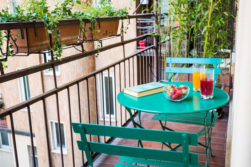 Seu micro-terraço é o lugar perfeito para desfrutar de uma bebida e ler um livro