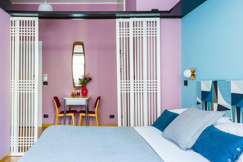 Relaxe em estilo com design colorido dos anos 60 - aconchegante e confortável!