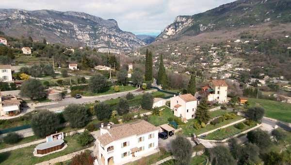 LOCATIONS-06 / LA PASCALINE, MEUBLE DE TOURISME 4**** 300m riviere 20mn MER ., holiday rental in Greolieres