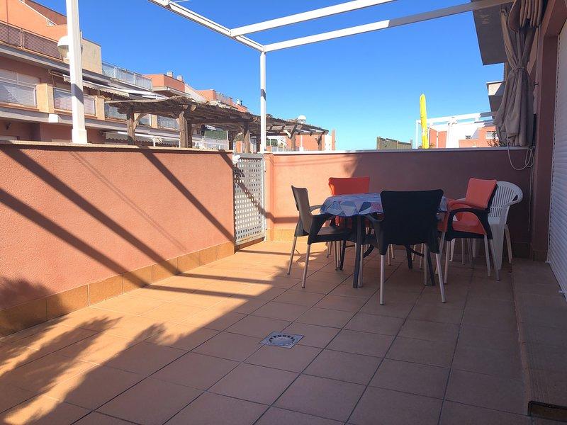 Acogedor apartamento para vacaciones estupendas!!!, holiday rental in Monte Faro