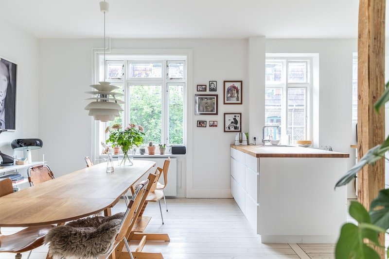 Townhouse Copenhagen 3 stories tall 150 sqm Østerbro, holiday rental in Alleroed Municipality