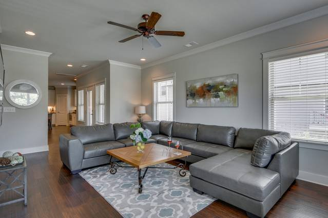 Plenty of room for everyone in this HUGE townhouse mere steps from Belmont University, Music Row, Midtown Nashville, Hillsboro Village, 12th South and SO much more!