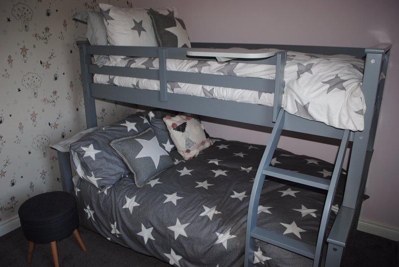 Bedroom 3: triple sleeper: double below, single above