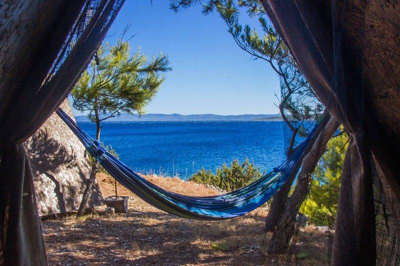 Beach Hut Jelena (Seaview) + free shuttle, Ferienwohnung in Humac