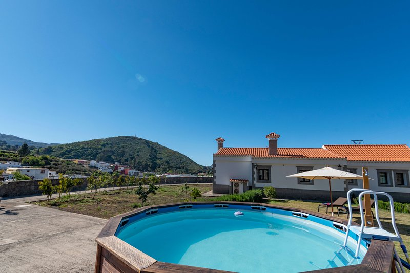 Holiday home with pool in San Mateo, holiday rental in Pino Santo Alto