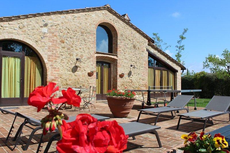 Villa La Francigena rustic homey feeling villa in San Gimignano, casa vacanza a Pancole