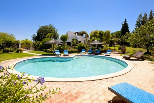 Terras Novas Villa Sleeps 8 with Pool Air Con and WiFi - 5239031, holiday rental in Patroves