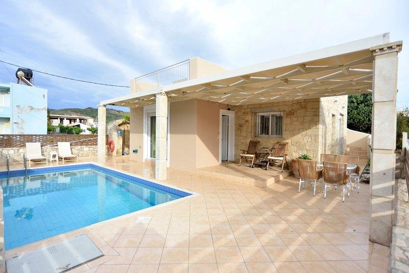 Nopigia Mare Seafront Villa, Kissamos Chania, alquiler vacacional en Nochia